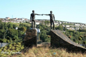 """Hands across the divide statues - Derry' reconciliation monument"" by FABIO CASADEI  Some rights reserved"